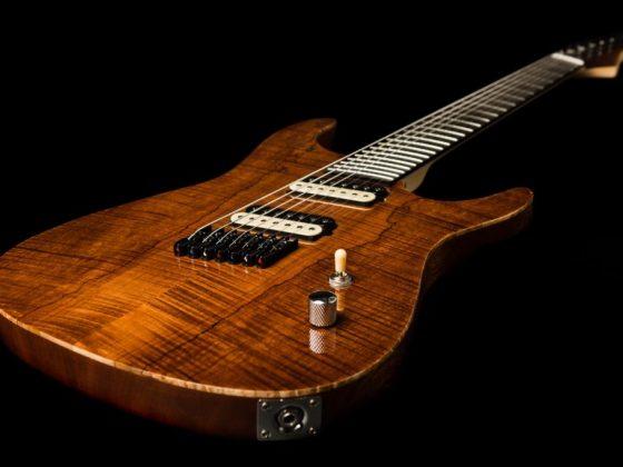 Greenriver Guitars bygger guitarer i hånden